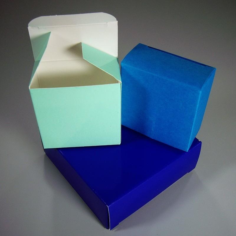 kleine faltschachteln und kartons als exklusive kartonverpackungen fertigen und bedrucken lassen. Black Bedroom Furniture Sets. Home Design Ideas